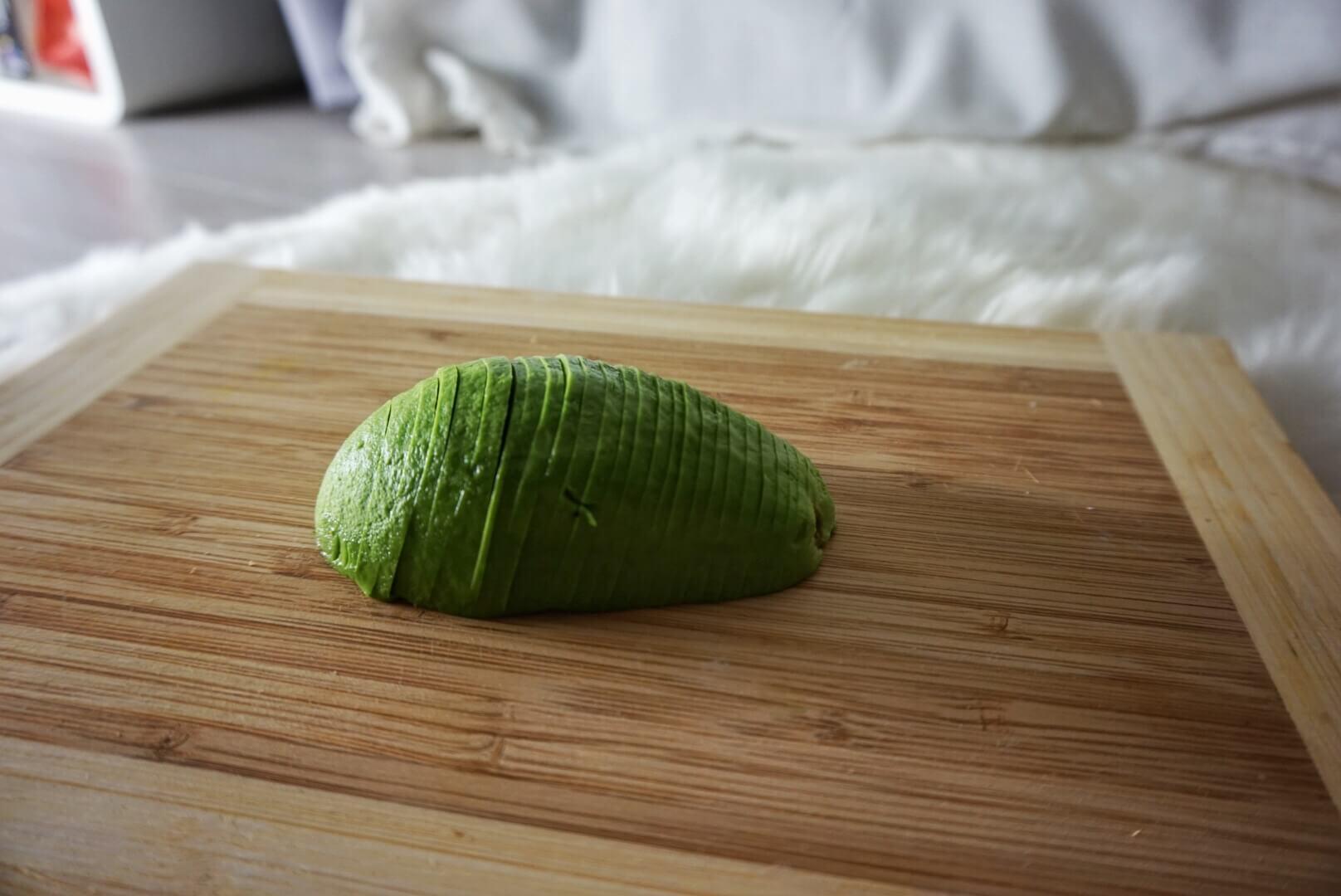 Das ist eine Avocadorose, die Anleitung findest du hier.